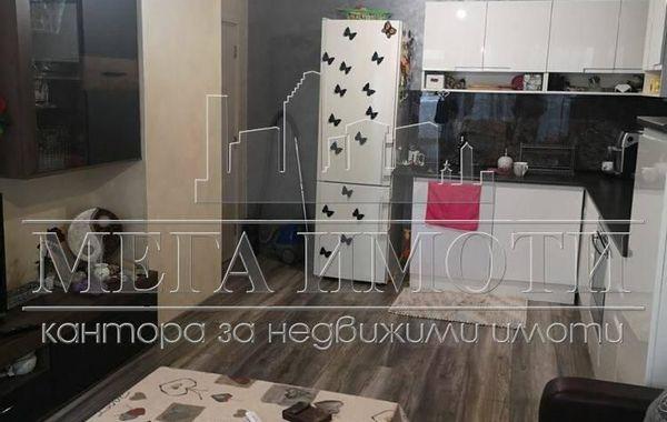 тристаен апартамент бургас h6m5x33s