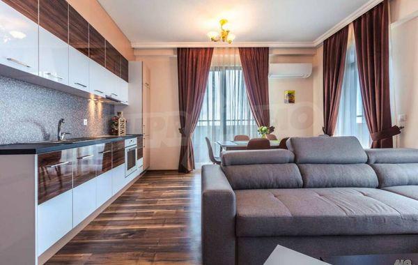 тристаен апартамент бургас hhxetne8
