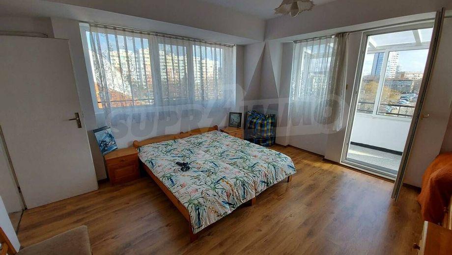 тристаен апартамент бургас mj9xt22c