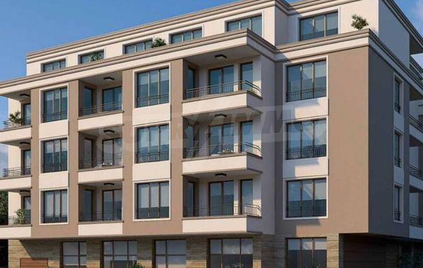 тристаен апартамент бургас q75aug8m