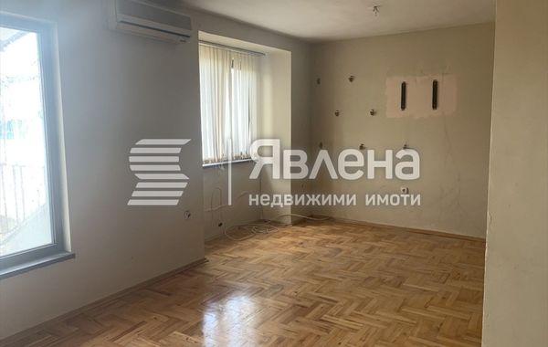 тристаен апартамент бургас v9bkrywg