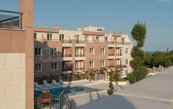тристаен апартамент бяла slq7pqvr