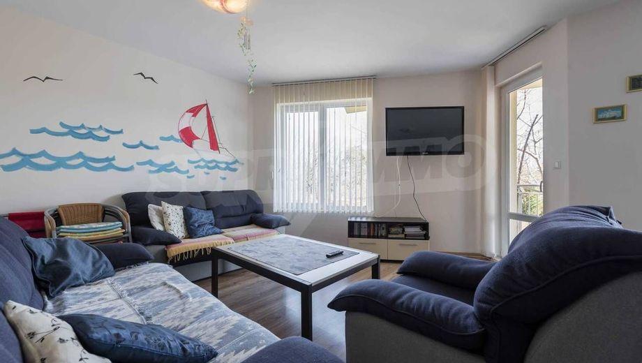 тристаен апартамент бяла uq9x2ly3