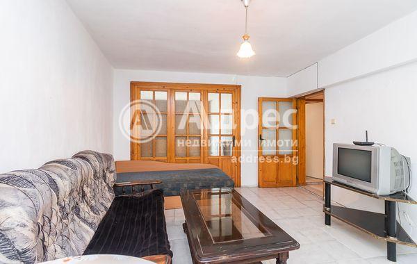тристаен апартамент варна 138q99g9