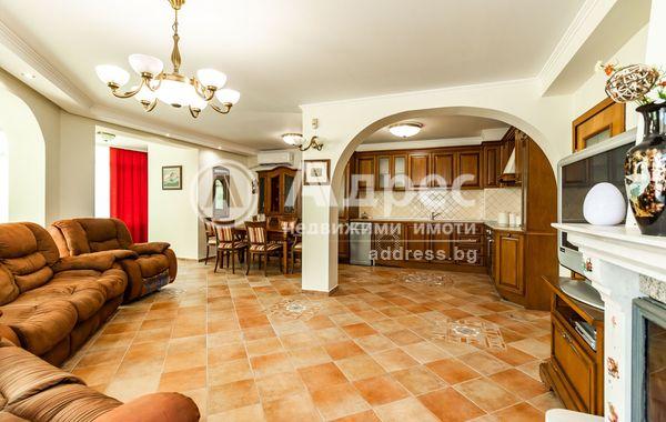 тристаен апартамент варна 1dcrj8n7