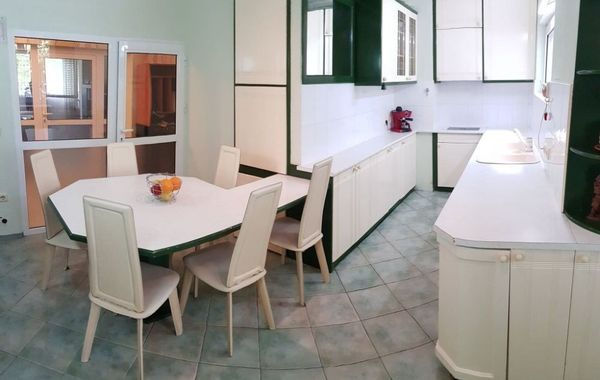 тристаен апартамент варна 1xm7made