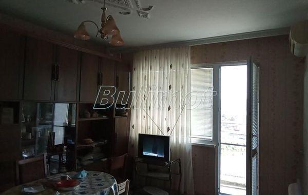 тристаен апартамент варна 24w544j8