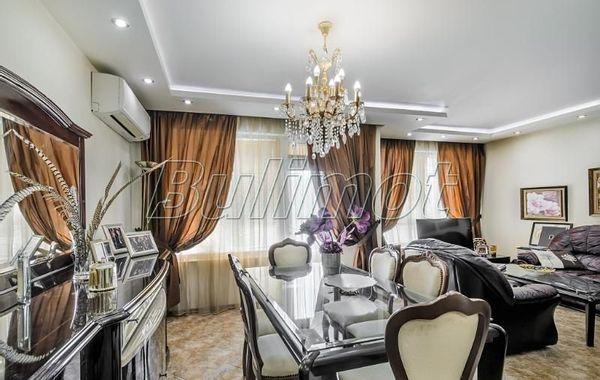 тристаен апартамент варна 2gwsqwda