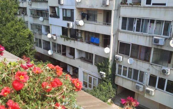 тристаен апартамент варна 32nxjjm1