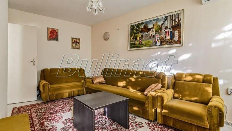 тристаен апартамент варна 33al21v5
