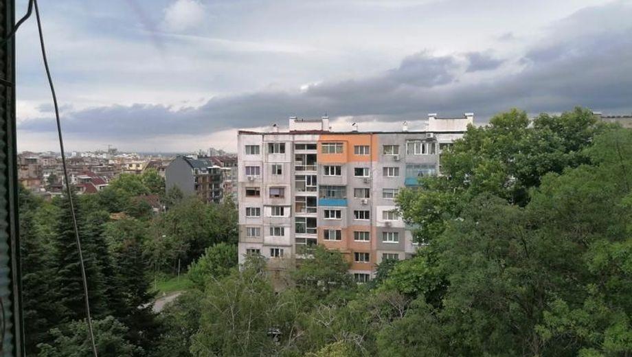 тристаен апартамент варна 36cham9a