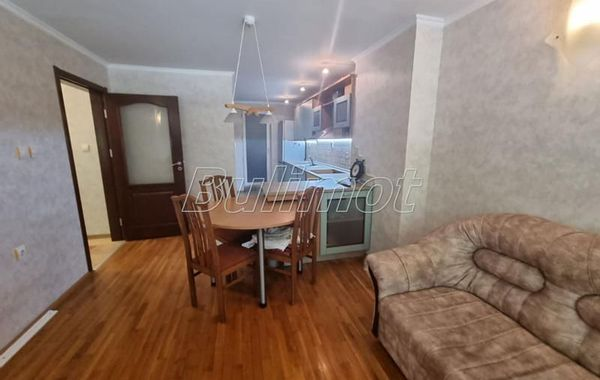 тристаен апартамент варна 4129f8p1