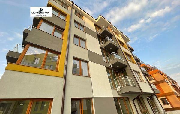 тристаен апартамент варна 42c3y7u8
