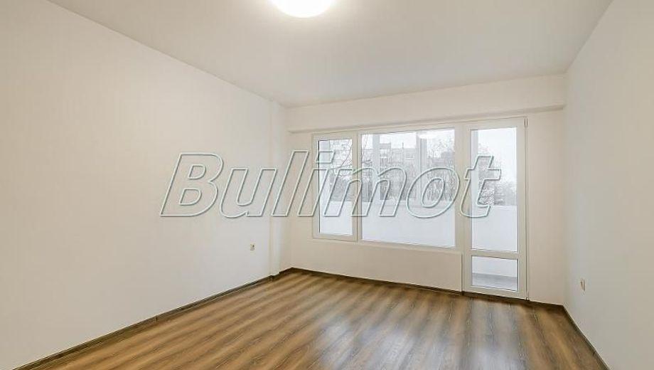 тристаен апартамент варна 46bknkm2
