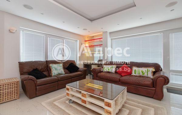 тристаен апартамент варна 4e9w861s