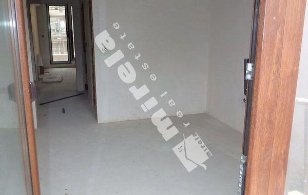 тристаен апартамент варна 4h7a5tdf