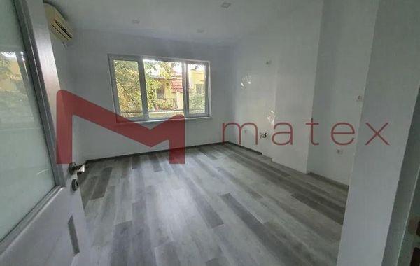 тристаен апартамент варна 4qt3ef18