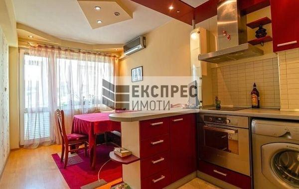 тристаен апартамент варна 53a8csfk