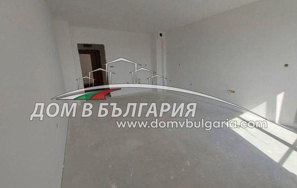 тристаен апартамент варна 57vutbx3