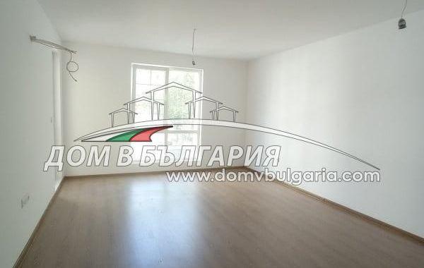 тристаен апартамент варна 58atc997