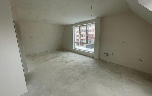 тристаен апартамент варна 5n9lqbkq