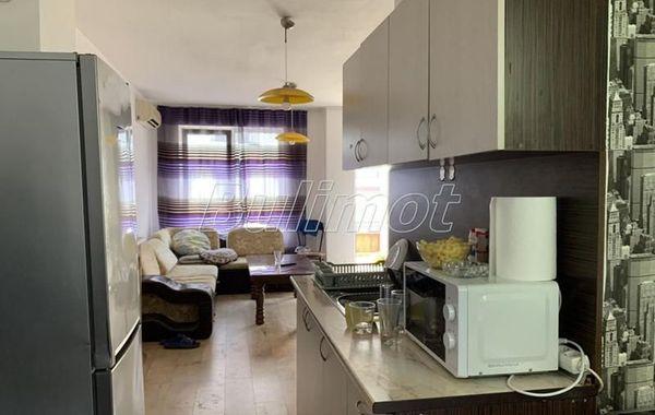 тристаен апартамент варна 5p6ka385