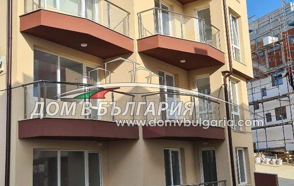 тристаен апартамент варна 5u9kqu8a
