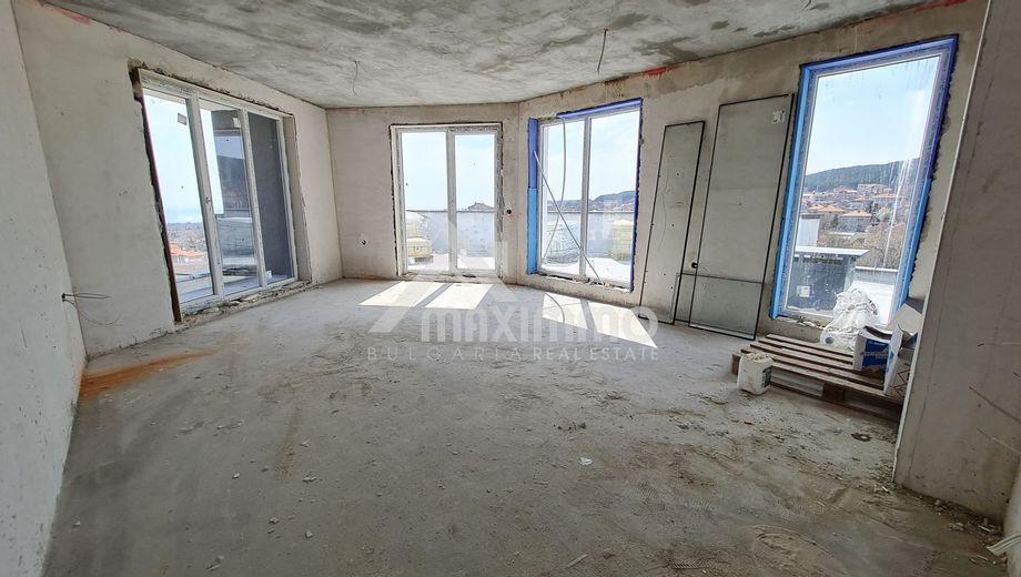 тристаен апартамент варна 633nyrd8