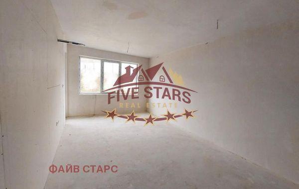 тристаен апартамент варна 6b7canm3
