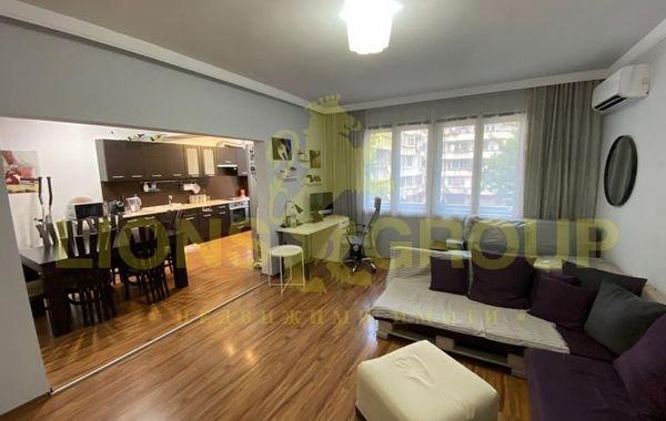 тристаен апартамент варна 6e3f9qpa