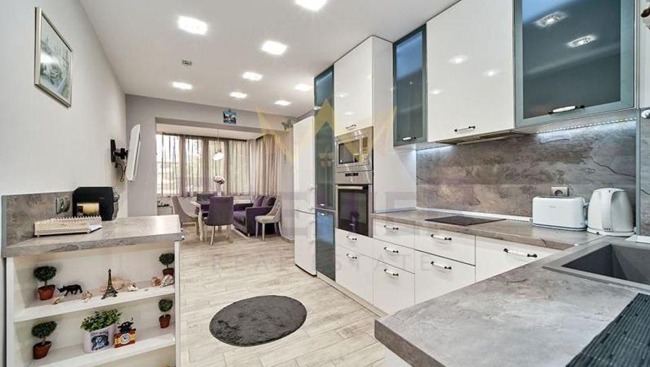 тристаен апартамент варна 6s1br9qs