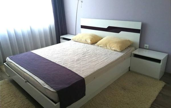 тристаен апартамент варна 6u7plkgv