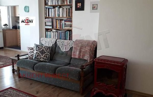 тристаен апартамент варна 7hejtmvh