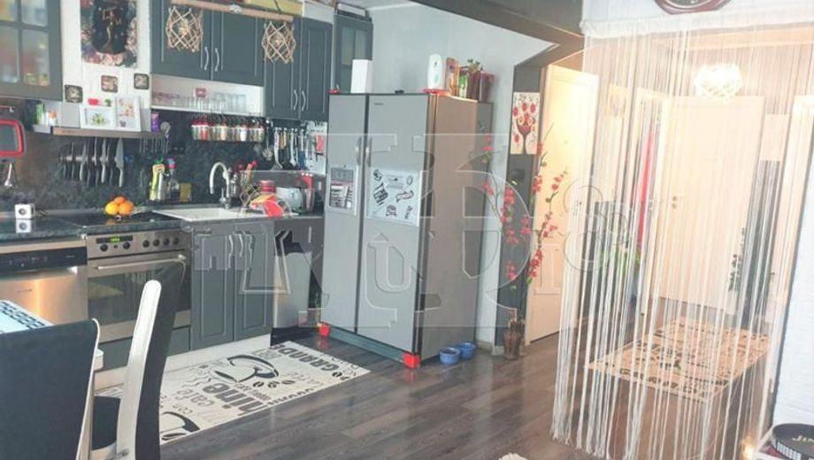 тристаен апартамент варна 7r2u92nx