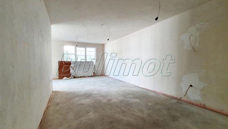 тристаен апартамент варна 7trd87sg