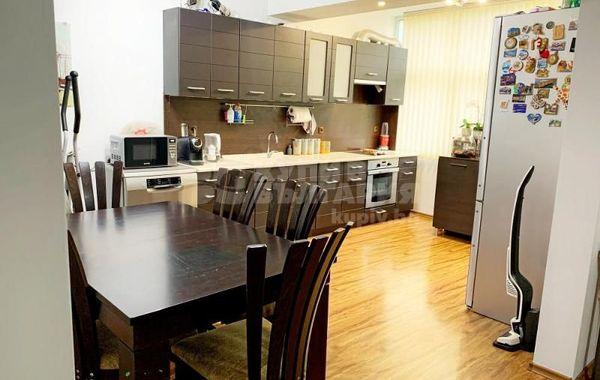 тристаен апартамент варна 84jq3c7u