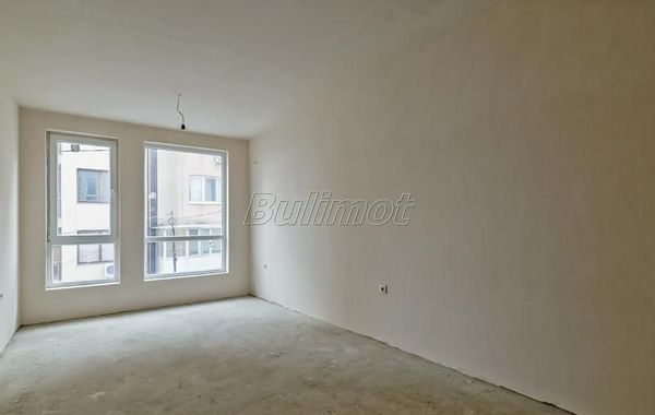 тристаен апартамент варна 88ycun3n