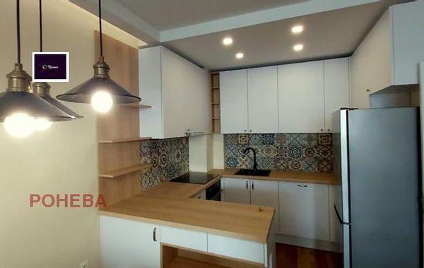 тристаен апартамент варна 8as7yv9h