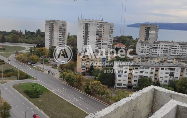 тристаен апартамент варна 8h1k3kub