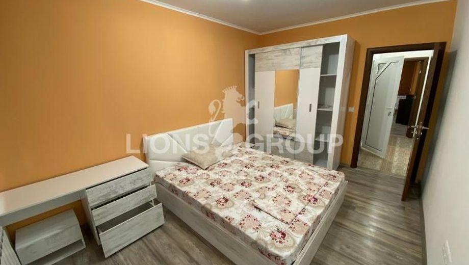 тристаен апартамент варна 8q5hnu9d