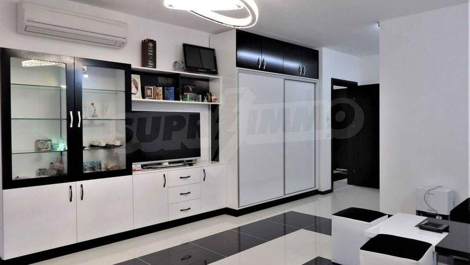 тристаен апартамент варна 8yubdqx2