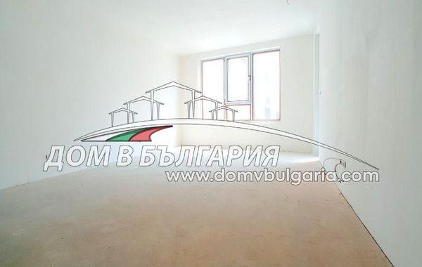 тристаен апартамент варна 94cky9s8