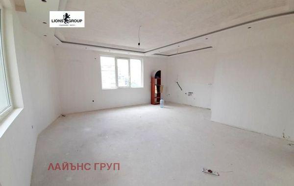 тристаен апартамент варна 97ymky95