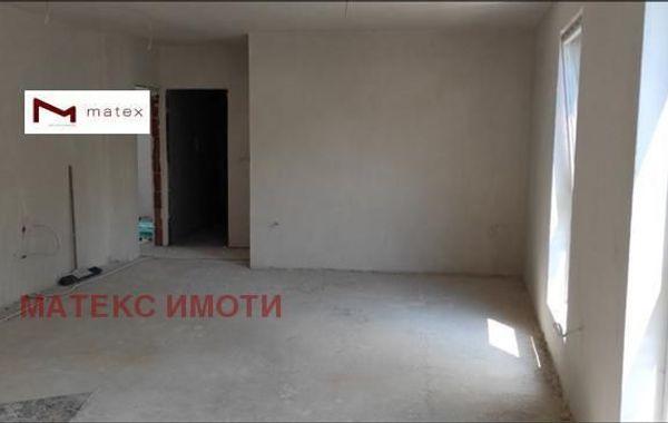 тристаен апартамент варна 9k3m451m