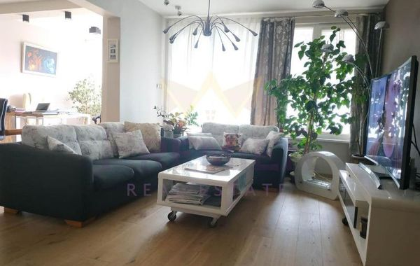 тристаен апартамент варна 9kmhnsr8