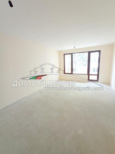 тристаен апартамент варна 9l2xqbde