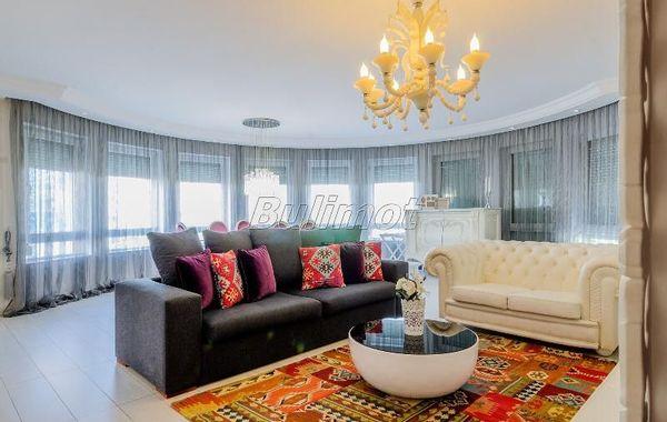 тристаен апартамент варна 9qtvdjvx