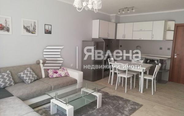 тристаен апартамент варна a242megk