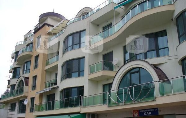 тристаен апартамент варна aa1xan8y