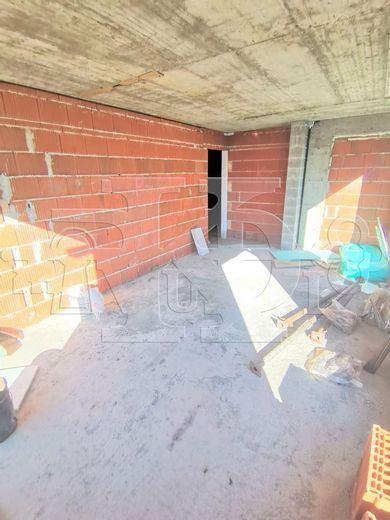 тристаен апартамент варна acvkltlw